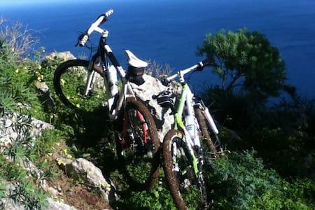 HOSTEL for MTB bikers in Sicily - Makuusali