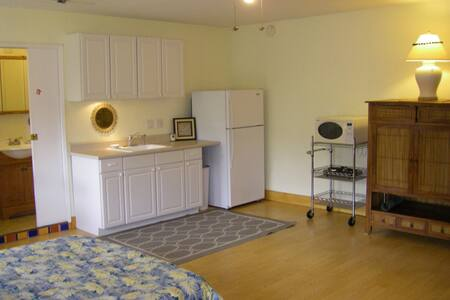Special $$  ~ 2 Blocks from Beach!