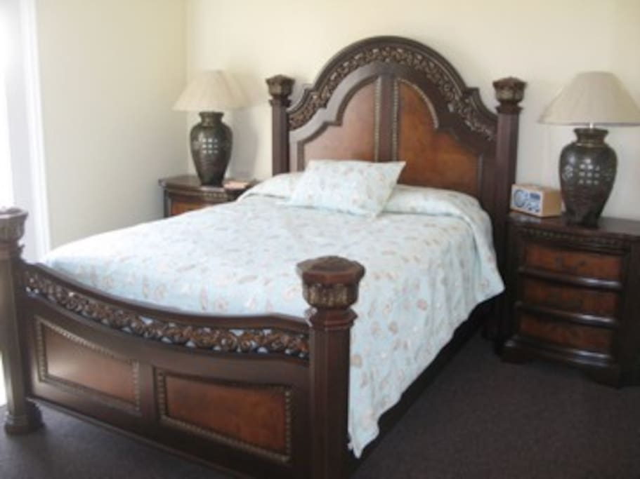 Each Bedroom has a queen size bed and its own bathroom.