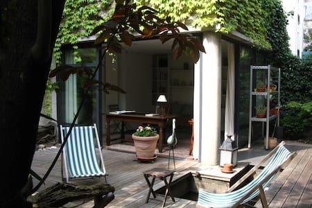 Paris Bambou Garden Studio - Bed & Breakfast