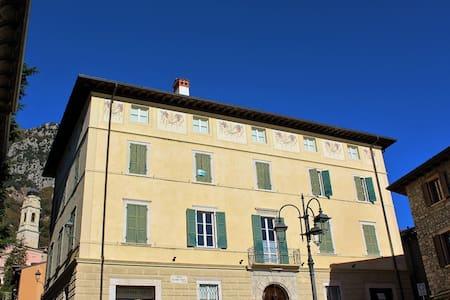 Appartamento Dea in centro a Gargnano - Gargnano - Apartment