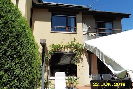 3 chambres ds maison proche du lac - Marin-Epagnier - House