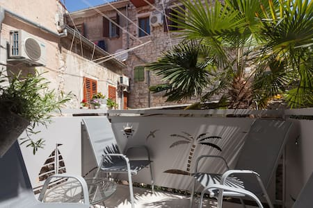 Historical Old town, 2 bd, Carera,pedestrian zone - Apartment