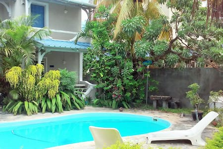 cosy one bedroom flat with pool in  La Preneuse - Apartemen