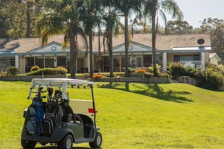 Greens on Pacific - With Golf Cart - Appartement