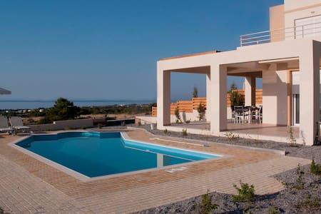 Villa Phoebe, Private Villa With Panoramic Views - Rumah