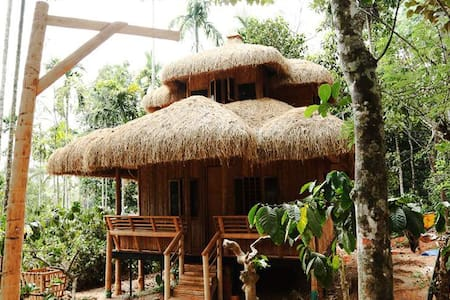 Bamboo Cottage Wayand Resort - Sultan Bathery - Skjul