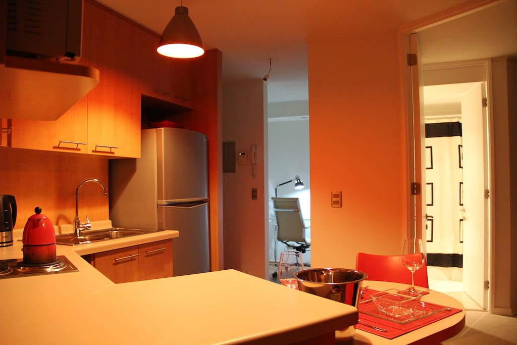 Apartment 2 Blocks Metro - Kitchen / Dining