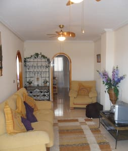 Peaceful Apt for 4 with sea view! - Appartamento