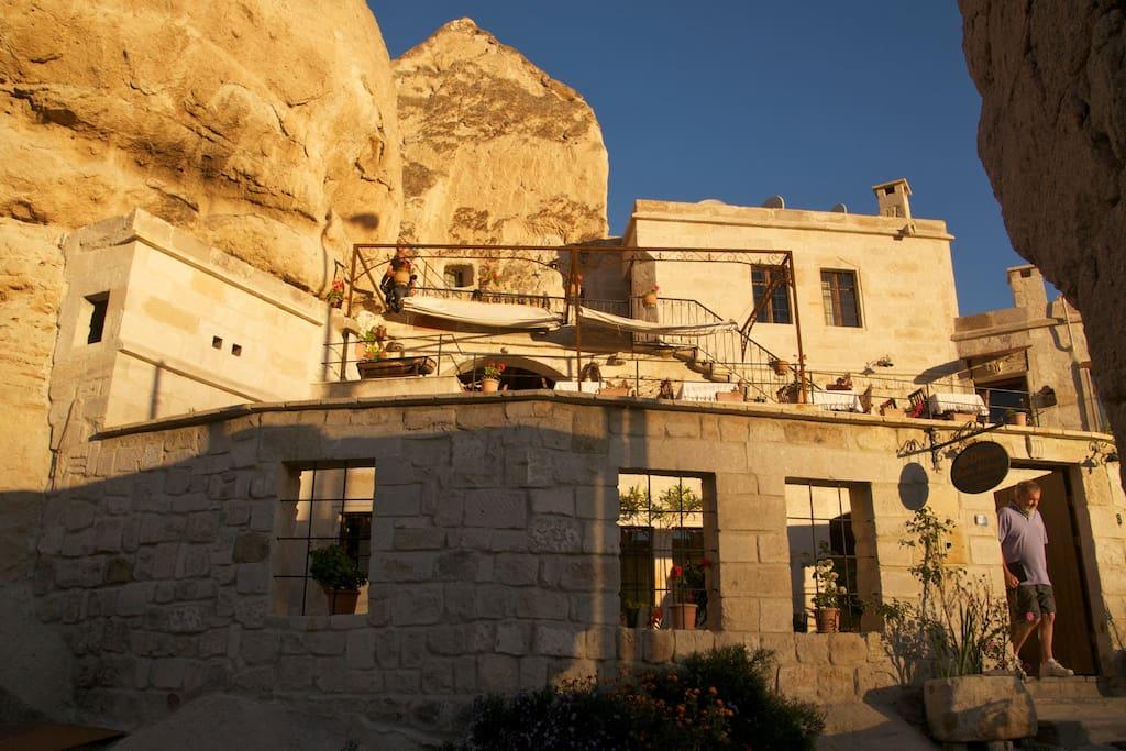 Divan Cave House Bed&Breakfast