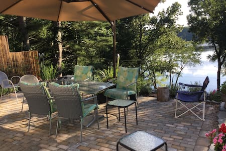 Beautiful lake house - Charlton - Casa