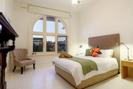 'Sorrento Village Apartment'