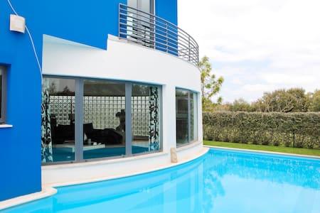 Luxury villa with pool&Golf Resort - Quinta do Anjo - Huvila