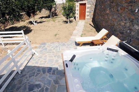 Villa with Jacuzzi in South Crete - Casa