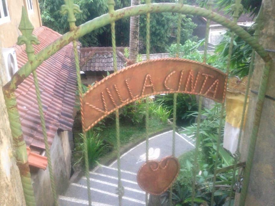 Entrance for Villa Cinta or Floor Satiga