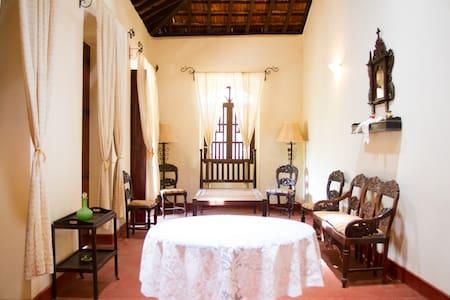 Casa dos Silveiras, Divar, Goa - Villa