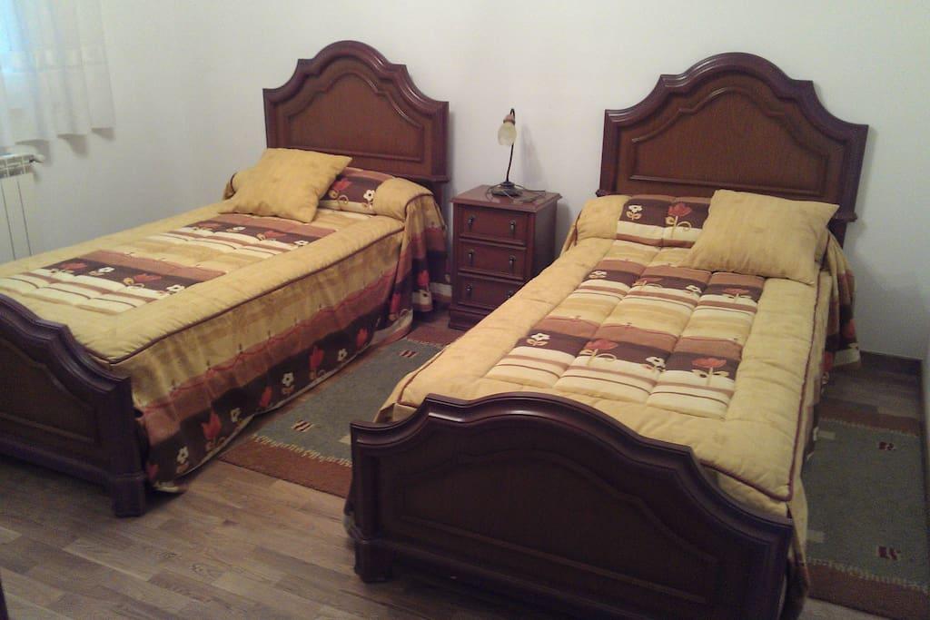 Dormitorio 3 de dos camas. Armario empotrado