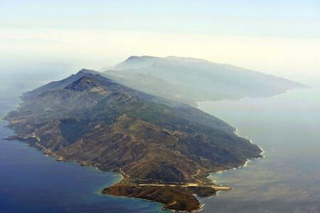House with beautiful sea view - Agios Kirikos - Huis