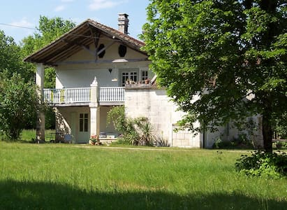 Mistoury, Bed & Breakfast - La Tour-Blanche - Bed & Breakfast