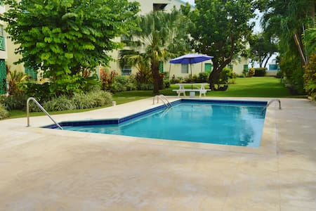 Maple Gardens #16 - 2 bed apt close to the beach - Bridgetown - Lejlighedskompleks