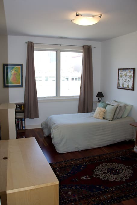 Guest room with twin bed