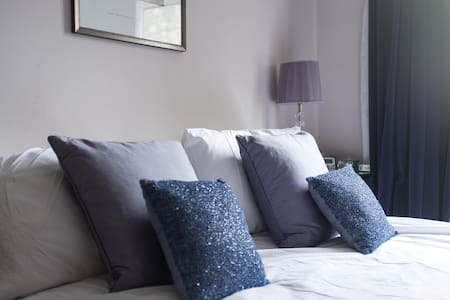 Heavenly Holland Park, double room
