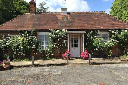 Heywood Cottage - House