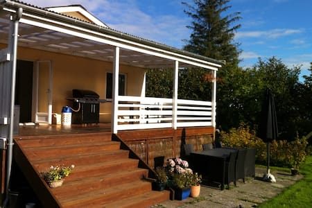 Room type: Entire home/apt Property type: House Accommodates: 8 Bedrooms: 3 Bathrooms: 2