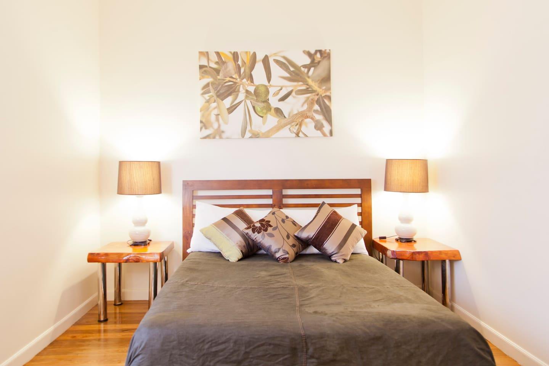2 Beds,City,Tv,WiFi, Aircon,Lock