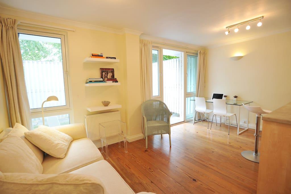 Apartment in Little Venice, London