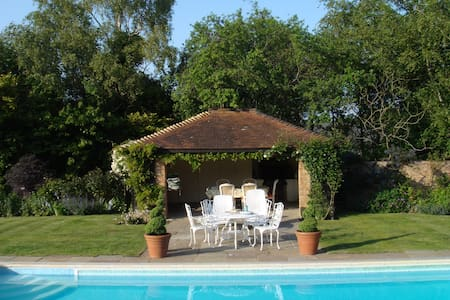 Cosy, comfortable b&b in unspoilt rural area - East Sussex - Bed & Breakfast