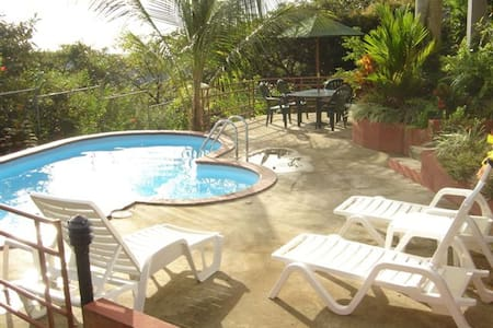 Private home and pool! Great views! - Manuel Antonio - House