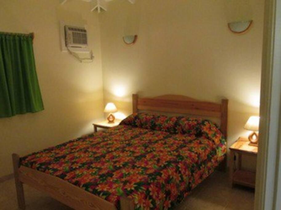 Bedroom, queen size bed, AC