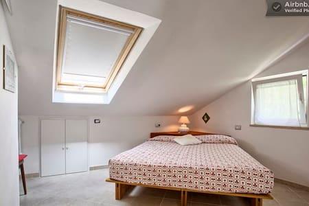 Noli-cute doubleroom in the house - Voze - Apartment