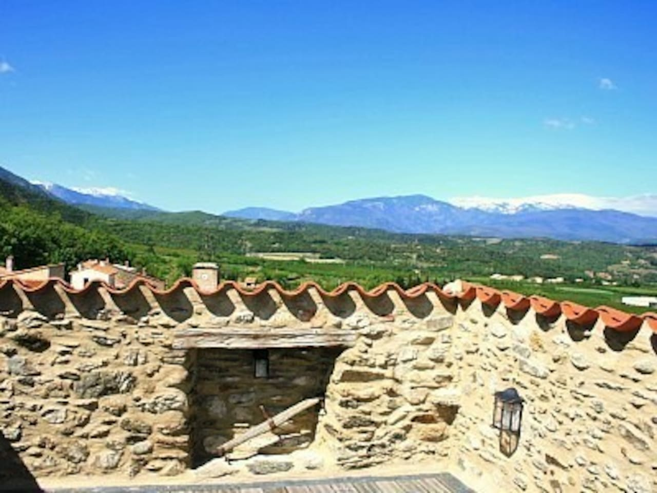 Beautiful roof terrace with outstanding views over the Pyrenees mountains and the Têt valley