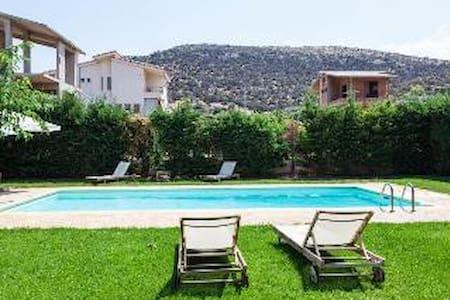 Fabulous Anavyssos swimming Pool - Leilighet