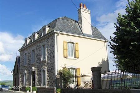 Résidence Hauteclair/Apchon/Cantal - Apchon