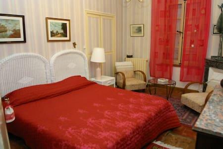 Château Saint-Auriol - Bed & Breakfast