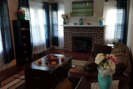 Renovated Cozy 3BD  Spacious Bright Relaxing - Huoneisto