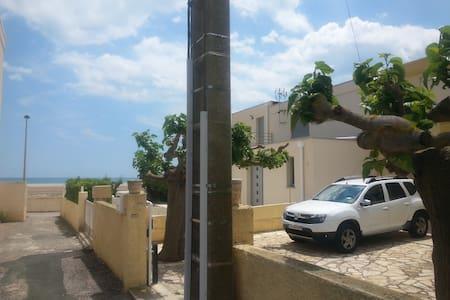chambre dans Villa-15mètres plage-terrasse-vue mer - Fleury - Villa