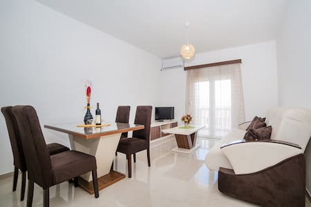 Vukovic-Cozy Apartment with Beautiful Sea View - Bijela, Herceg Novi - Apartment
