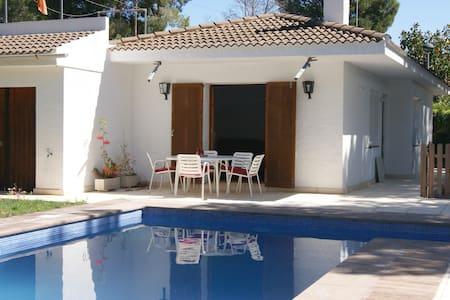 Villa con piscina al lado de la playa HUTTE 002664 - Calafat