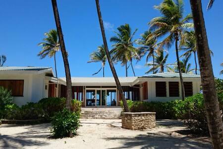 Beach Villa on private island - Villa