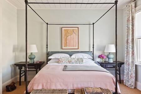 Executive Luxury design Apartment