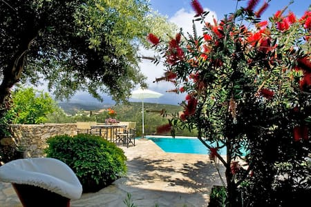 Villa Lemonia, Istron, 2 bedrooms - Agios Nikolaos