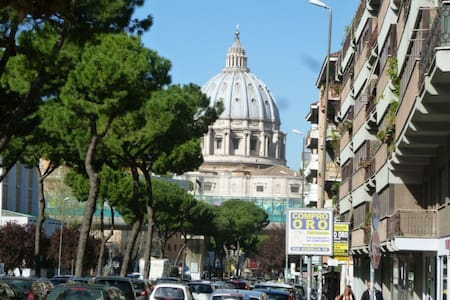 Flat in the vatican area  2- 4 pers