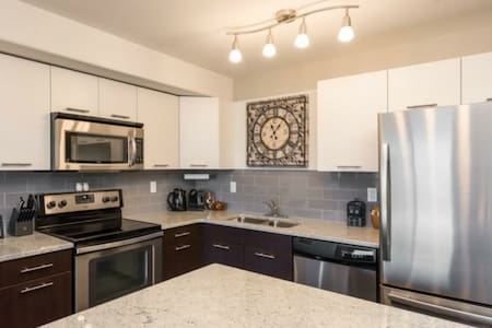 Executive 1 Bedroom Condo DT - Fully Furnished - Fort McMurray - Condominium