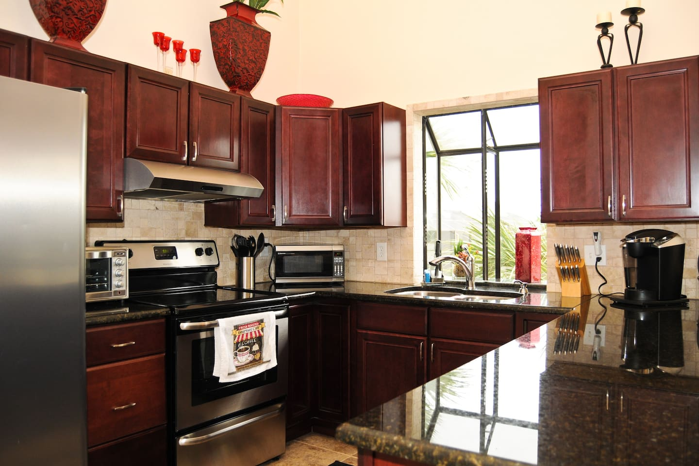 Beautiful kitchen with all stainless steel appliances, granite countertops and fully equipped!
