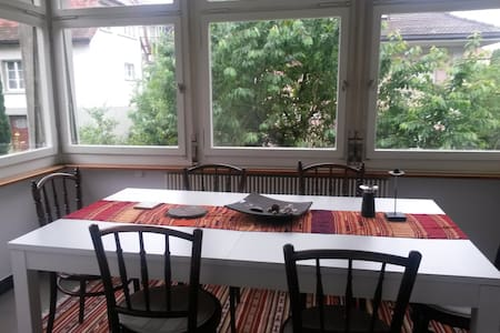 Spacious flat in an old villa near Berne - Wohnung