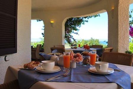 B&B VillaMercedes: Vision of sea - Siniscola - Bed & Breakfast